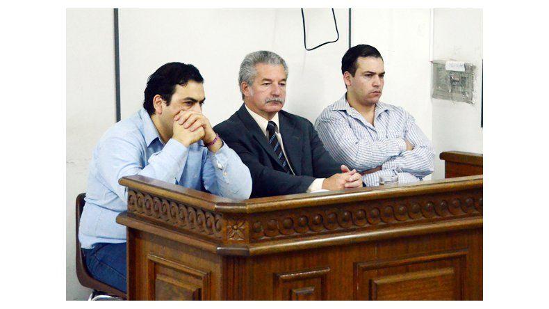 Juzgan a hermanos por un doble crimen en Centenario
