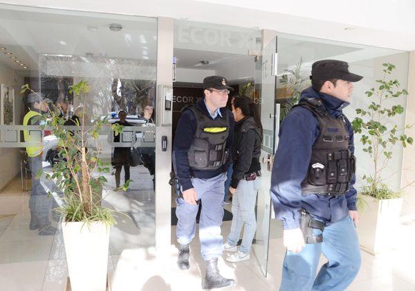 Violento asalto en edificio céntrico
