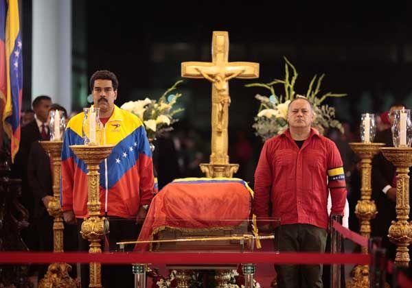 El cuerpo de Chávez será embalsamado