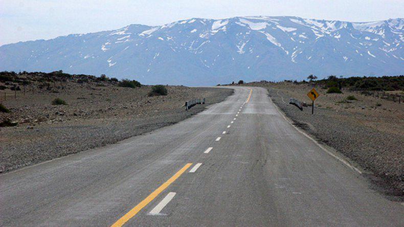 Un adolescente murió en un vuelco en la Ruta 40