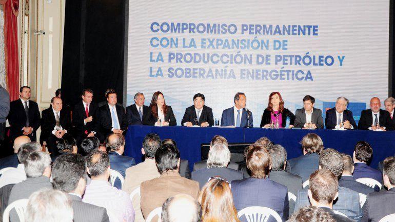 Sapag celebró los alcances del acuerdo. El acto lo encabezó la Presidenta en el Hotel Alvear de Buenos Aires.