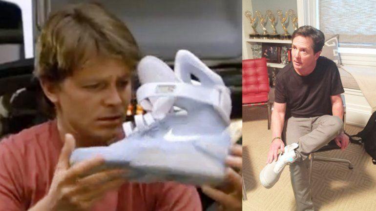Michael Fox recibió ayer el primer modelo de las zapatillas Air Mag.