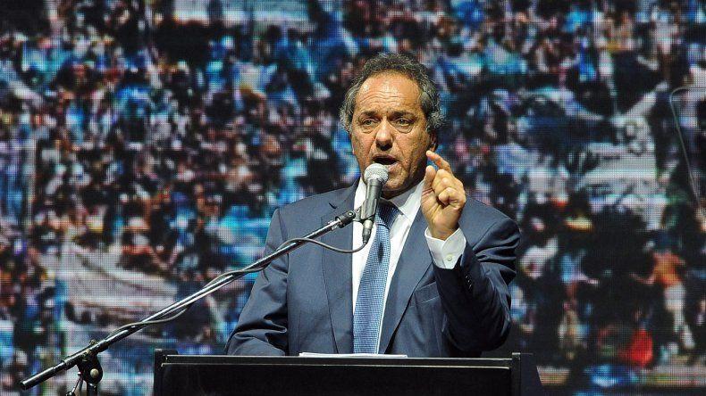 Scioli cerró su campaña en el Luna Park.