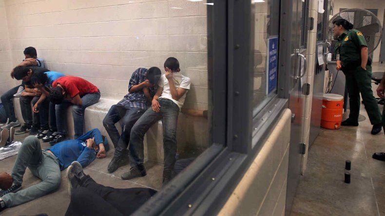 Hay más de 2000 menores indocumentados detenidos.