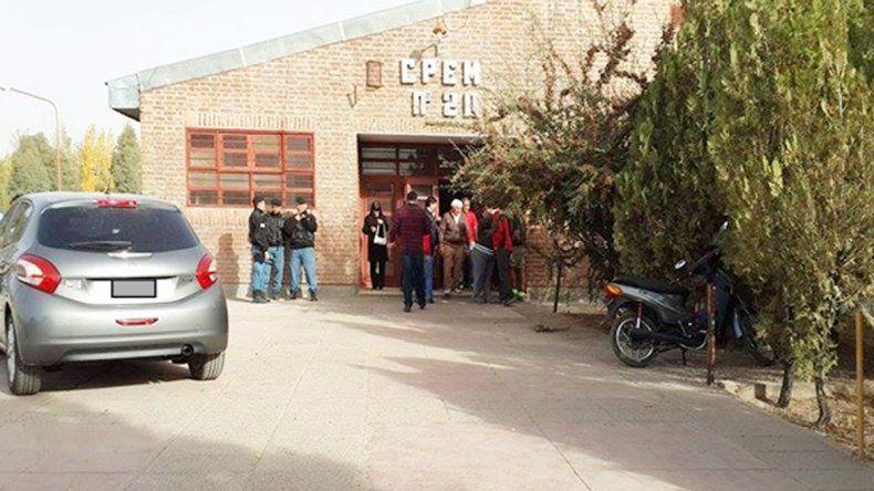 La Policía prometió mayor presencia de uniformados en los horarios de entrada y salida del colegio.