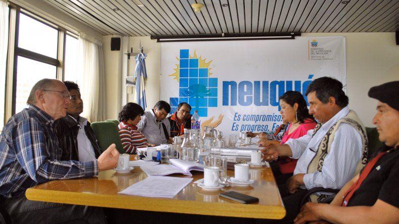 Autoridades del ministerio de Desarrollo Territorial y de la Unidad Ejecutora de la provincia atendieron los reclamos de las distintas asociaciones de crianceros de la zona Centro.