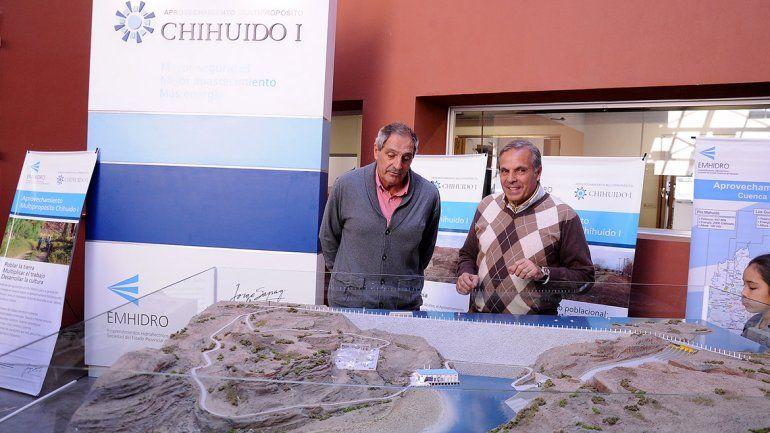 La represa sobre el río Neuquén asoma como un sueño que se complica.