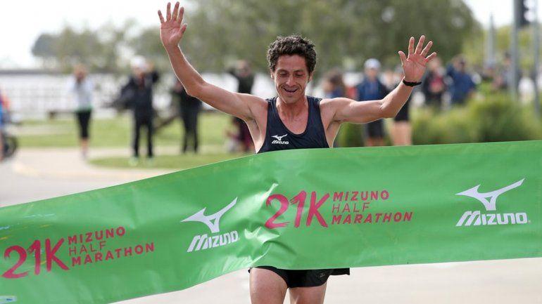 El neuquino Javier Carriqueo se quedó con la Media Maratón de Atletismo en Vicente López