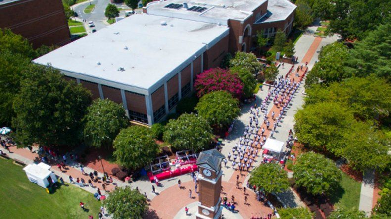 El sangriento ataque ocurrió ayer en la Universidad de Winston-Salem.