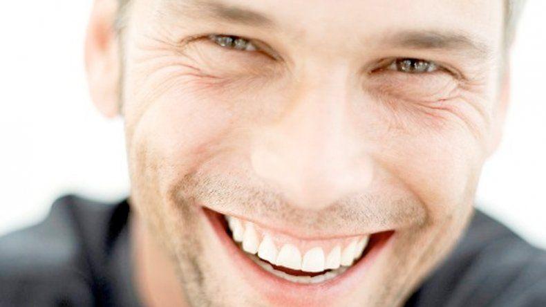 Caras sonrientes. Serían las más aptas para el matrimonio.