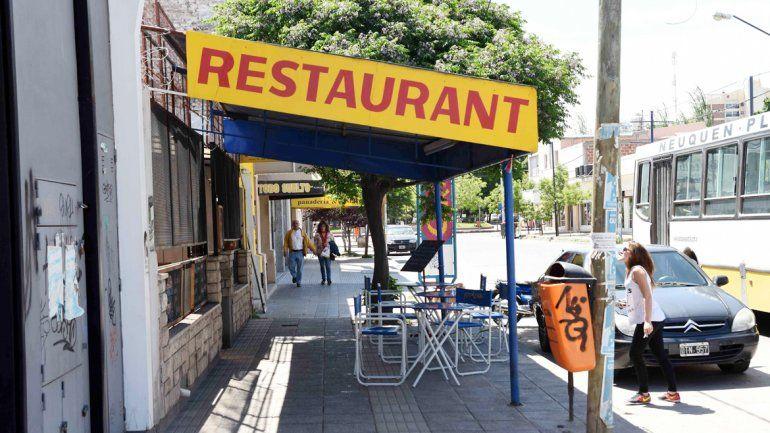 El restaurante de la calle Pampa al 200 fue blanco de los delincuentes dos veces en cuatro días.