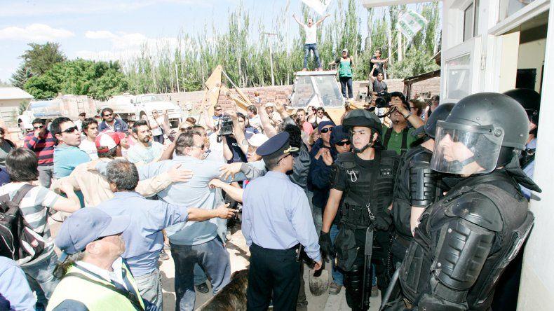 Mucha tensión hubo ayer en el corralón municipal