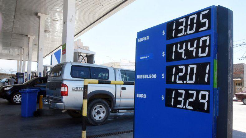Desde el martes se registrarán las bajas en la nafta.