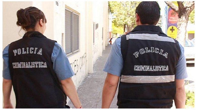 Personal de Criminalística trabajó en el lugar de los hechos.