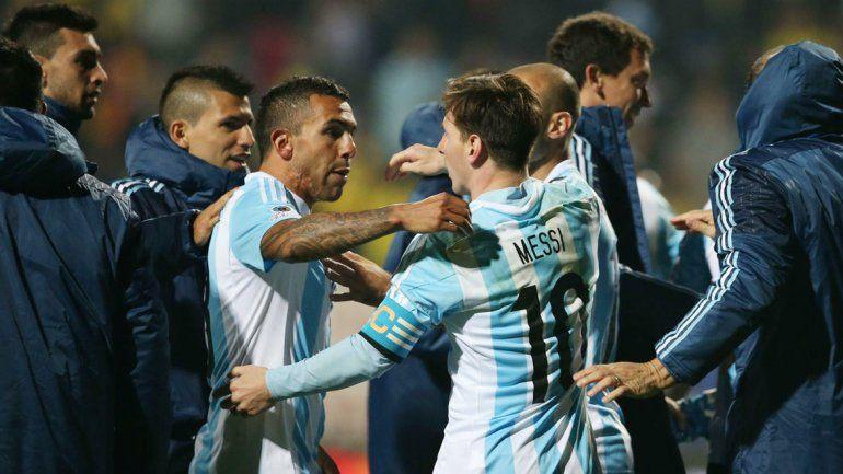 Ni el Apache ni Messi podrán liderar al equipo el jueves en el Monumental.