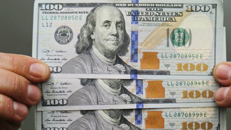 El dólar abrió a 13