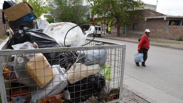 El servicio de limpieza está en jaque por el paro de los municipales.