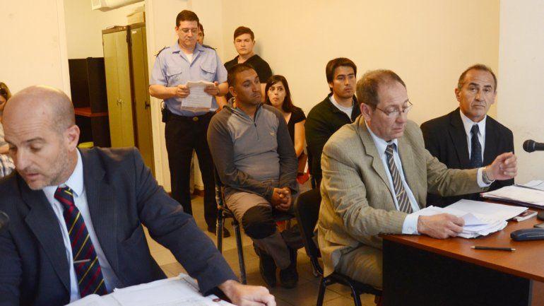 Cristian Jadul y el profesor Damián Rodríguez durante la audiencia.