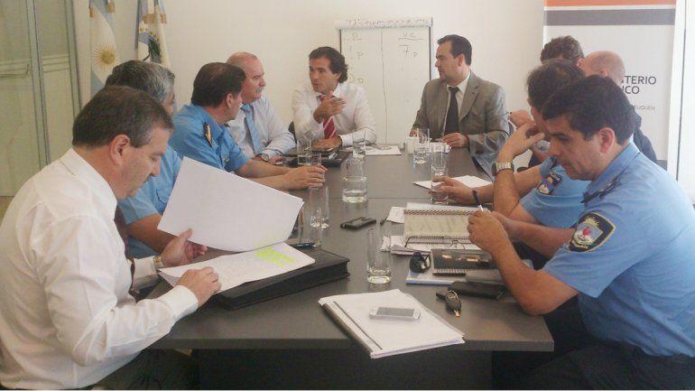 El jefe de los fiscales y el ministro provincial se reunieron ayer.