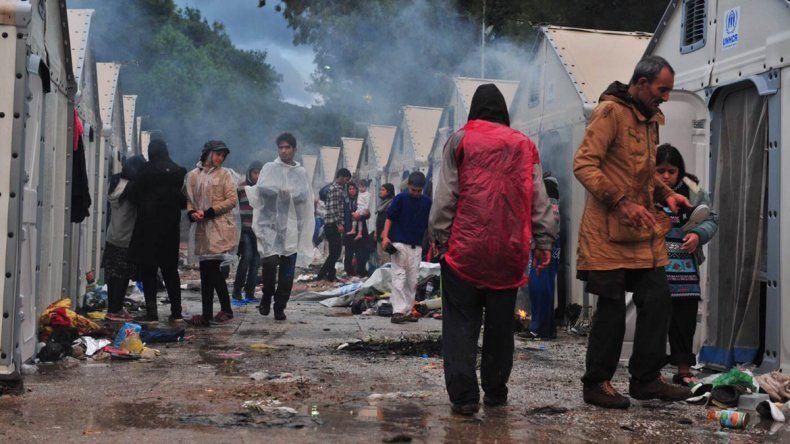 Grecia acusa a Turquía de no frenar el ingreso de refugiados