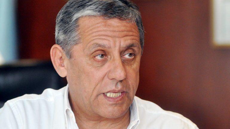El concejal del MPN cuestionó vía Twitter los números presentados por la Municipalidad y Pechi le contestó.