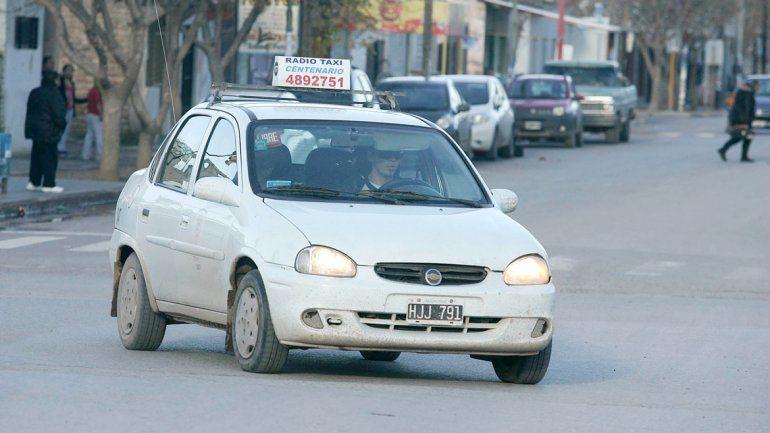 Los taxistas temen una fuerte devaluación que perjudique al sector.