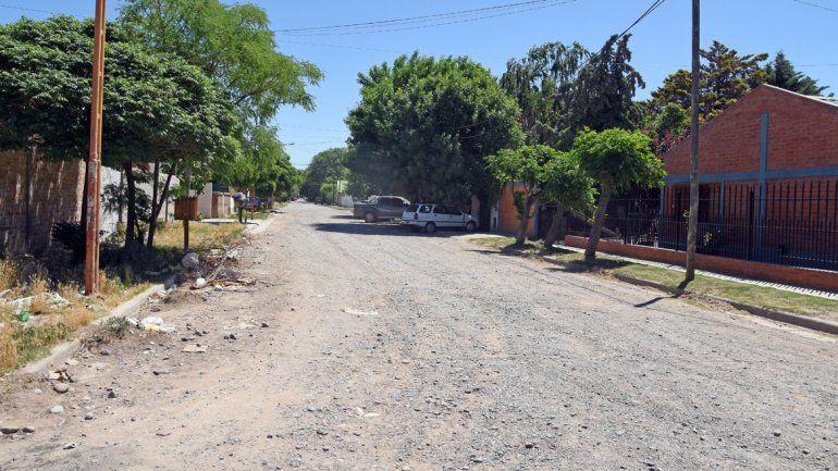 En calle Perú al 300 (Plottier) se hizo un allanamiento para buscar al petrolero.