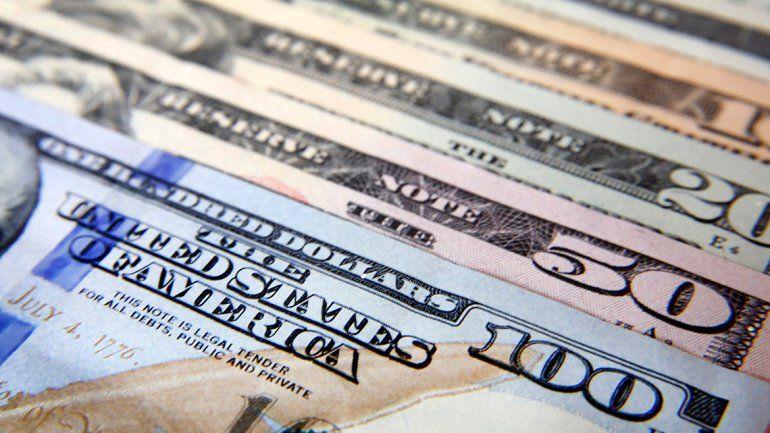 Sumaron restricciones para operar con la moneda norteamericana.