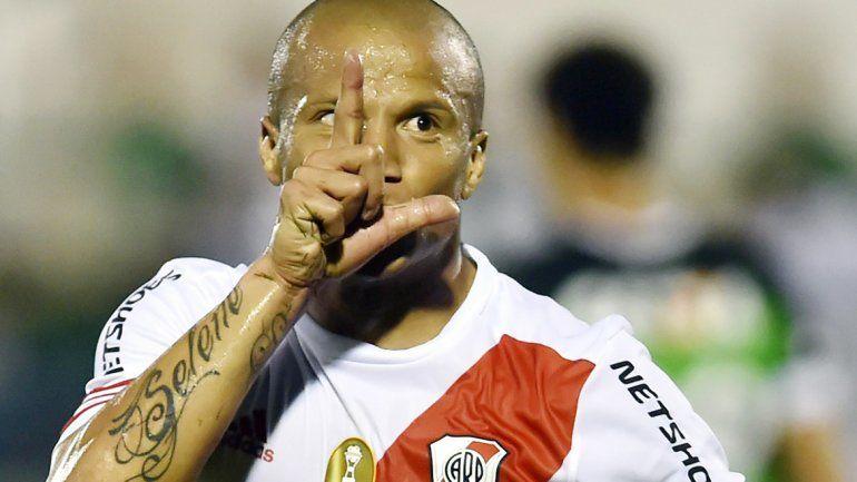 Sánchez jugará en México tentado por una cifra millonaria. Calleri