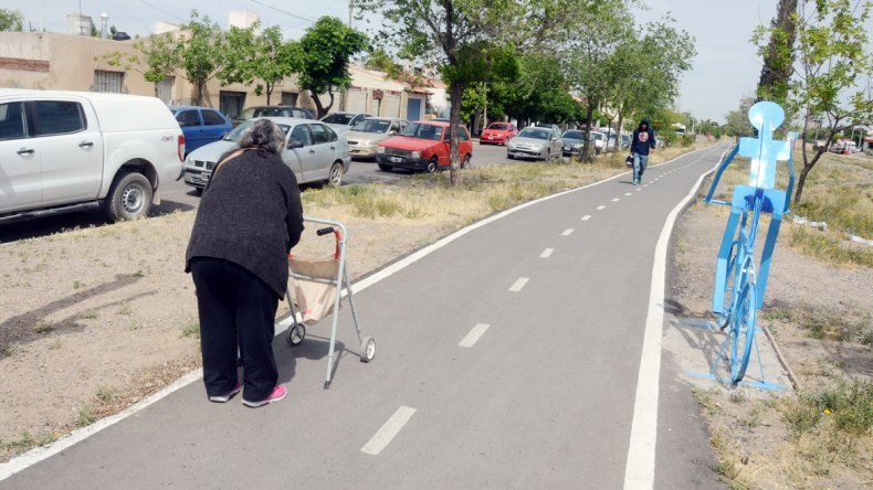 El Municipio firmó un acuerdo con Ferrosur para recibir en comodato 11 kilómetros de espacio alrededor de las vías.