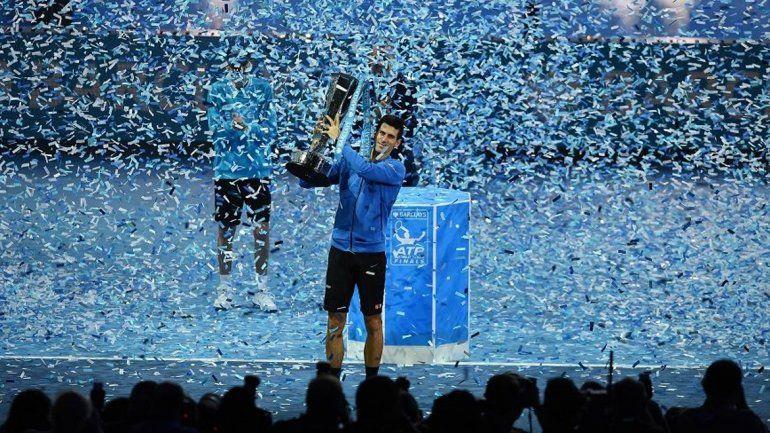 Djokovic no tuvo piedad de Federer y se consagró en el Masters