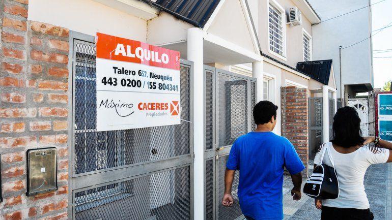 La ciudad tiene el gran problema de los altos costos de alquiler y los abusos del sector inmobiliario.