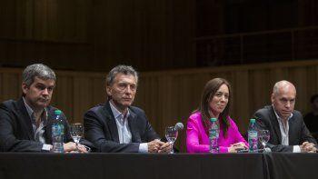 Macri, junto a Marcos Peña, Laura Vidal y Rodríguez Larreta.