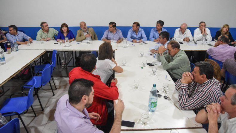 La reunión de la Junta y la Convención fue ampliada. Participaron legisladores nacionales