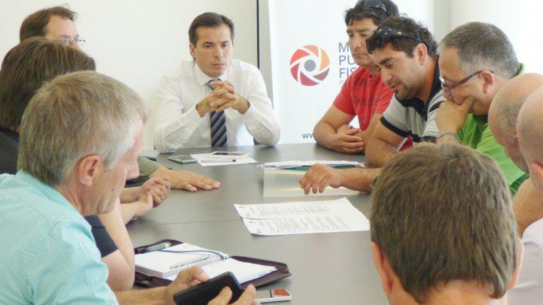 Funcionarios municipales y el gremio se sentaron con el fiscal José Gerez.