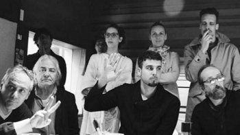 Uno de los momentos de grabación del disco en los estudios La Diosa Salvaje, propiedad de Spinetta.