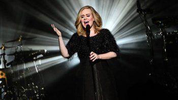 Con su disco 25, la cantante ya vendió 2,433 millones de copias.