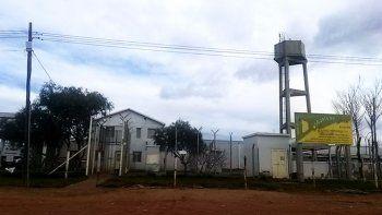dos presos hirieron a un policia y se fugaron del penal de cutral co