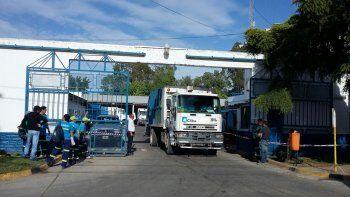 Tras dos horas y media de reclamo, se normalizó el servicio de recolección de basura.
