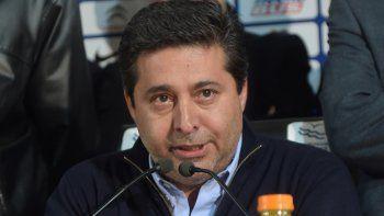 Angelici ya planea el futuro de Boca, con el Vasco como DT.