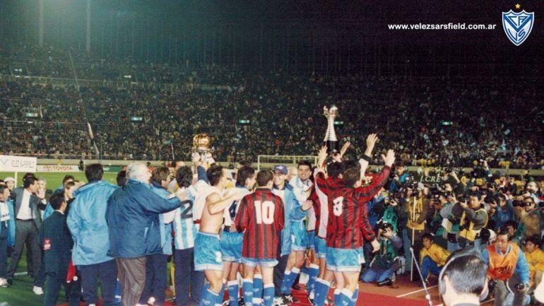 Vélez rompió el molde frente al Milan en 1994 y festejó por única vez.