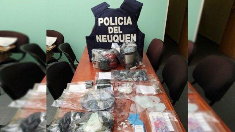 Desbarataron kioscos de droga de familias narco