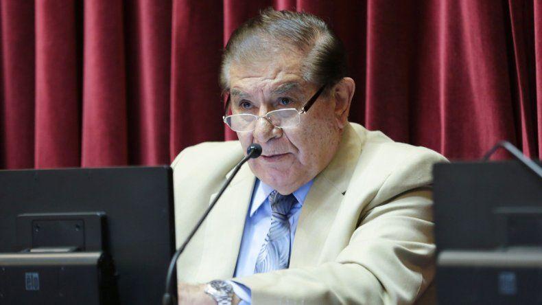 El senador nacional discutió sobre las paritarias y la reactivación de la activida petrolera.