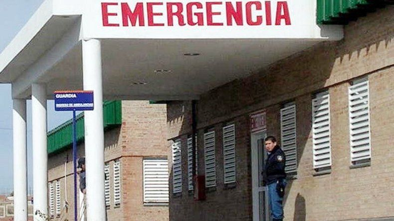 El peluquero Cristian Palacios permanece en observación en el hospital.