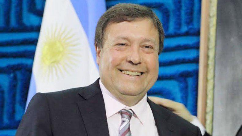 El gobernador rionegrino también estará presente en Olivos.