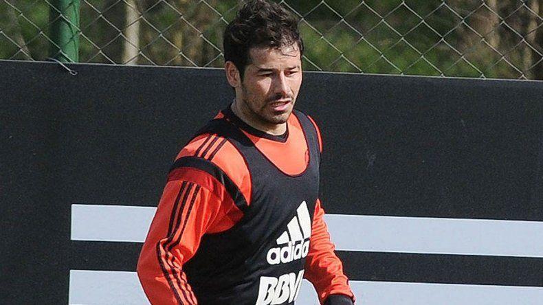 Mora se recuperó de la lesión y jugará ante San Pablo