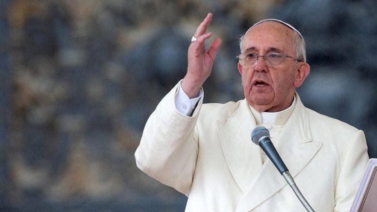 Italia: incautan bendiciones truchas del papa Francisco