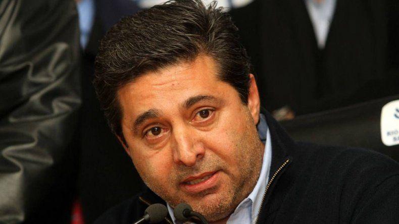 Daniel Angelici trabaja para armar el Boca versión 2016.