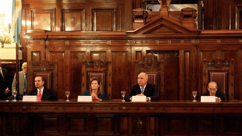 Críticas a Macri por la designación de dos jueces de la Corte