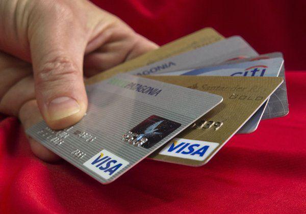 Es común que los delincuentes informáticos intenten robar los datos de las tarjetas de crédito de los compradores.